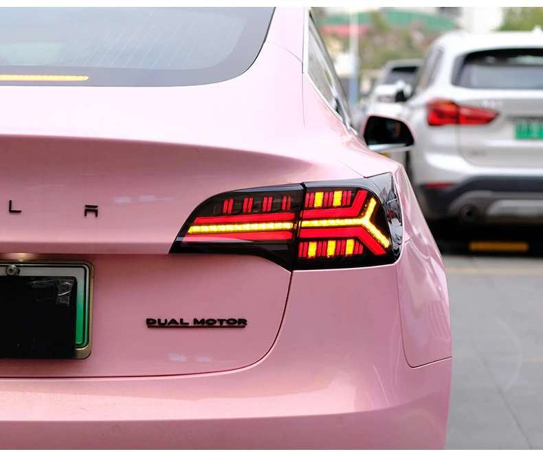Tesla Model 3 LED tail lights dynamic signal.